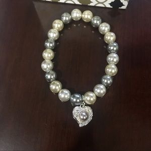 Avon Faux Pearl Heart Stretch Bracelet